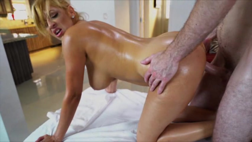 nude girls who squirt
